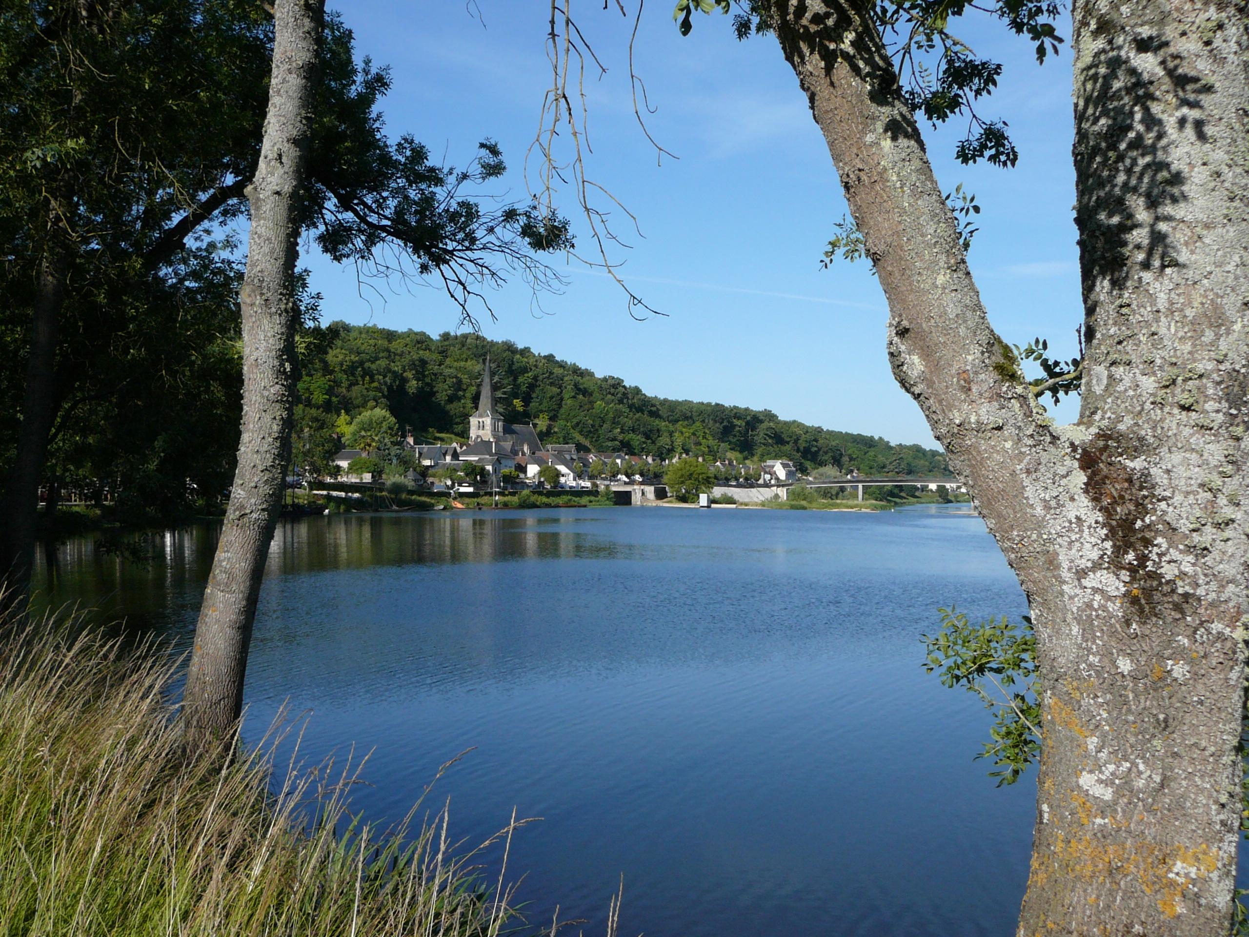 Le village de Savonnières (Indre-et-Loire) vu depuis la Loire à vélo. @photo CC37