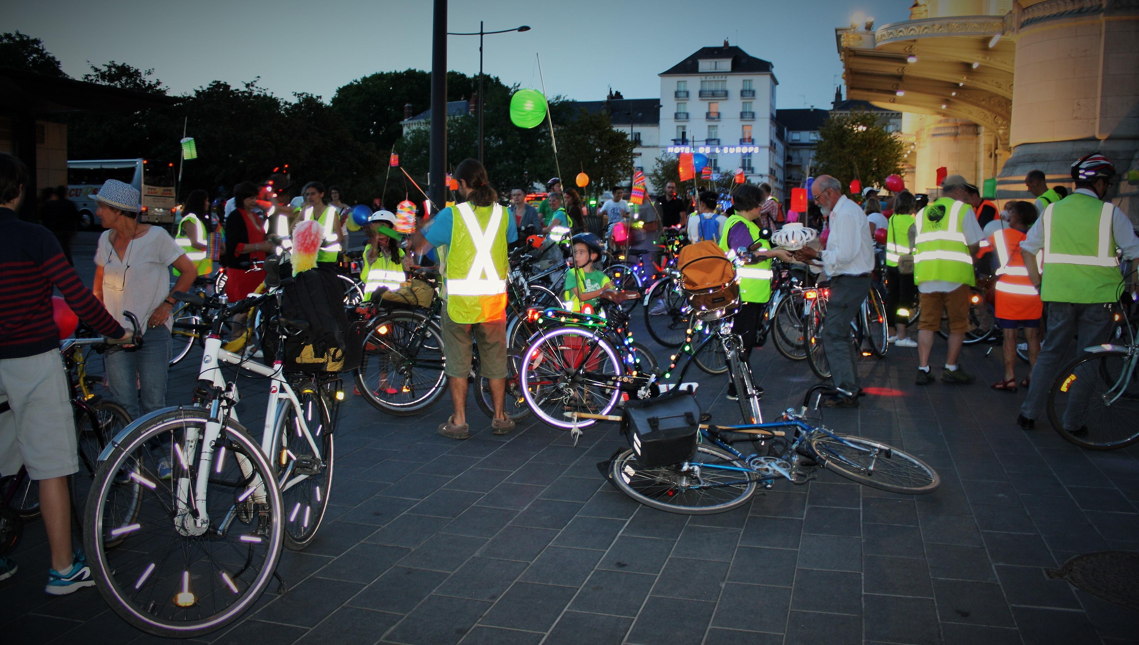 Balade des Lucioles, gare de Tours. @CC37 - photo Sonia Leroy