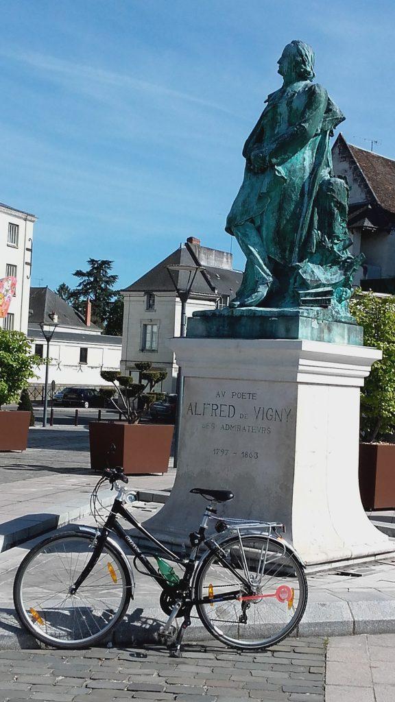 Statue d'Alfred de Vigny à Loches. @CC37