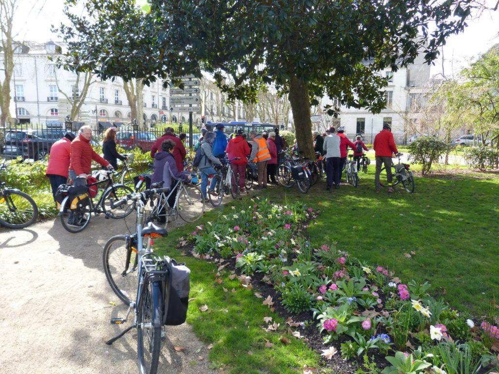 Balade à vélo du 10 mars 2019 dans les jardins de la Préfecture, à Tours. @CC37