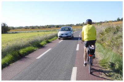 CEREMA : une nouvelle fiche vélo sur les chaussées à voie centrale banalisée