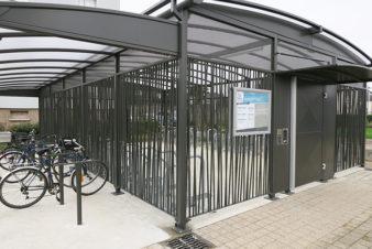 Parc à vélo de la gare SNCF de Saint-Pierre-des-Corps. @CC37, 2018.