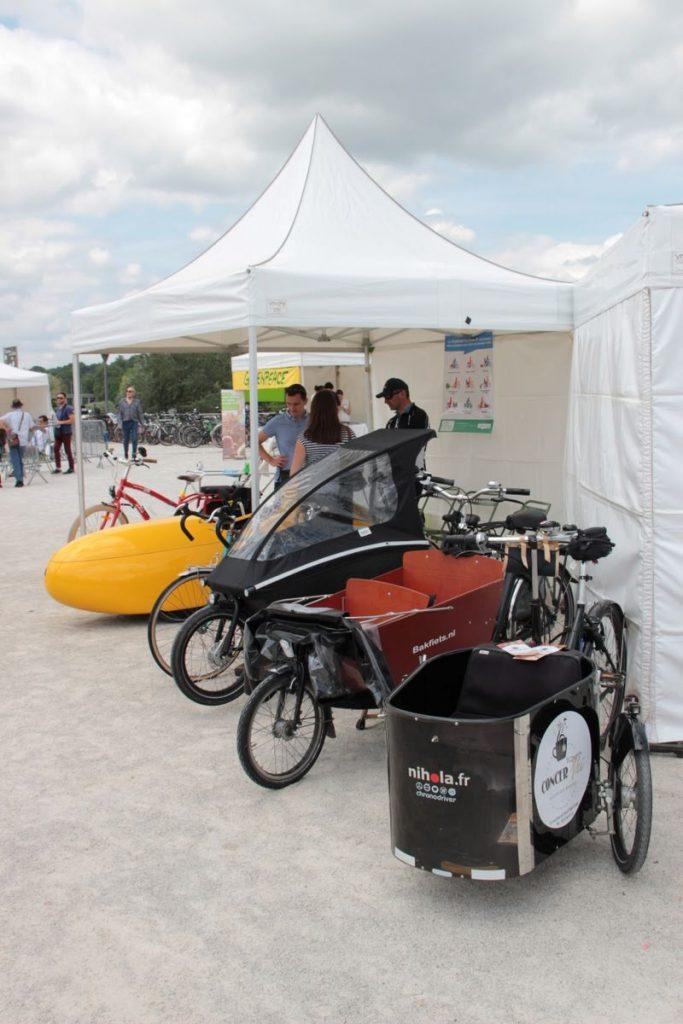Stand de vélos cargo tenu par le Collectif Cycliste 37 lors de l'édition 2018 de la Fête du vélo (Ville de Tours / Tours Métropole Val de Loire) @CC37 - photo Benoît Bourdache