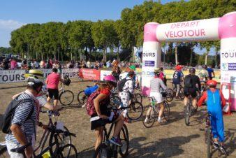 Départs des participants de la première édition de Vélotour (2018) aux Deux-Lions, à Tours. @CC37
