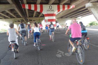 Passage des participants de Vélotour (édition 2018) au Point Zéro entre Saint-Pierre-des-Corps et Tours. @CC37