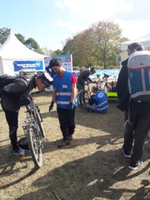 Vélotour vu du stand du Collectif Cycliste 37