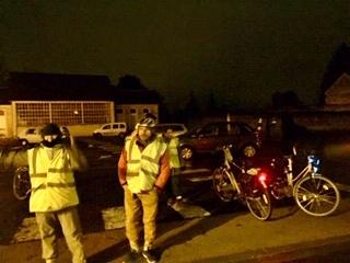 Opération « Cyclistes, brillez ! » à Loches le vendredi 6 décembre 2019. @CC37 - antenne lochoise