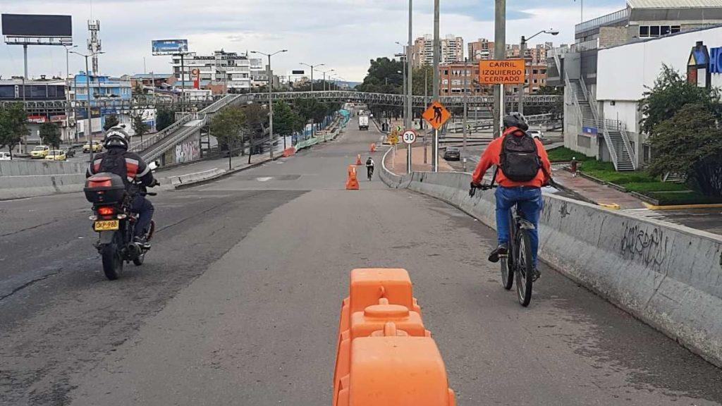 Aménagements cyclables provisoires mise en œuvre à Bogota (Colombie). Source : CEREMA.