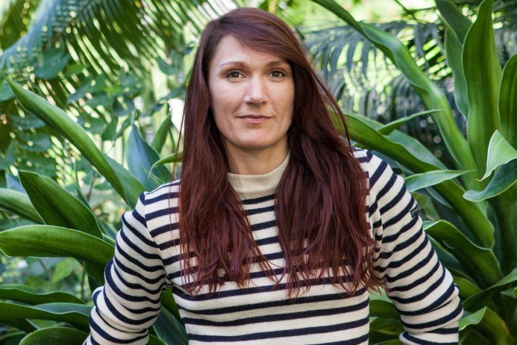 """Nina GOUZE, sportive engagée sur des sujets d'écologie et passionnée de vélo, qui a imaginé le projet projet """"Des vélos pour l'hosto"""". @FUB"""