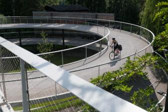 Passerelle piétons et vélos au dessus du canal périphérique de Gand au niveau de Parkbosbrug. © Stad Gent - Christophe Vander Eecken