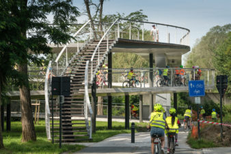 Passerelle piétons et vélos au dessus du canal périphérique de Gand au niveau de Parkbosbrug© Stad Gent - Christophe Vander Eecken