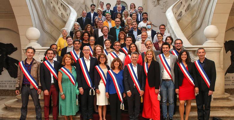 Le Conseil municipal élu le dimanche 28 juin 2020. Armelle Gallot-Lavallée est au premier rang, la troisième à partir de la gauche. @Photo : Benjamin Dubuis