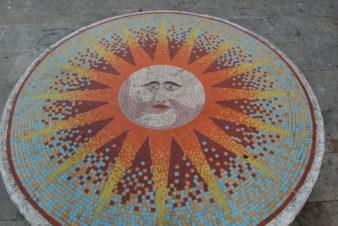 Mosaïque de Sante Vallar, vestige d'une maison close : Le Petit Soleil.
