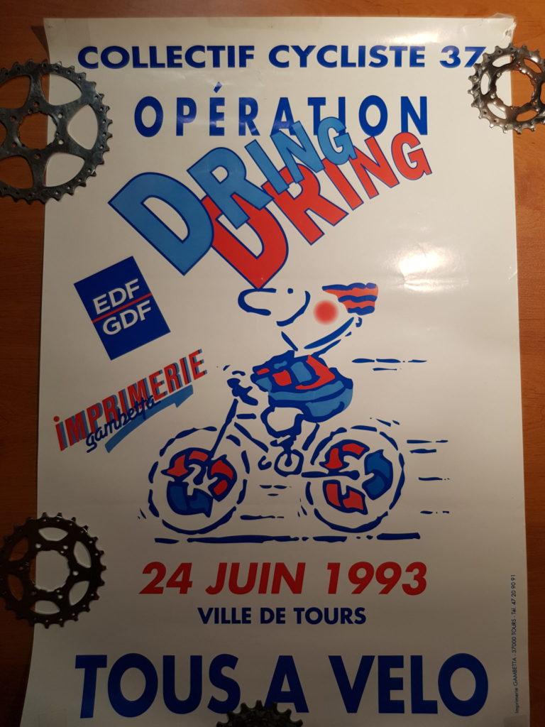 """Le 24 juin 1993, le Collectif Cycliste 37 organisait une manifestation """"Dring dring"""" à Tours. @CC37"""