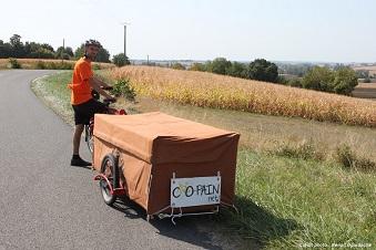 Co-Pain, boulanger du sud Touraine, réalise ses tournées à vélo à assistance électrique et remorque