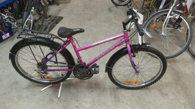 Vélo VTT enfant Gitane rose 24′ à 50€