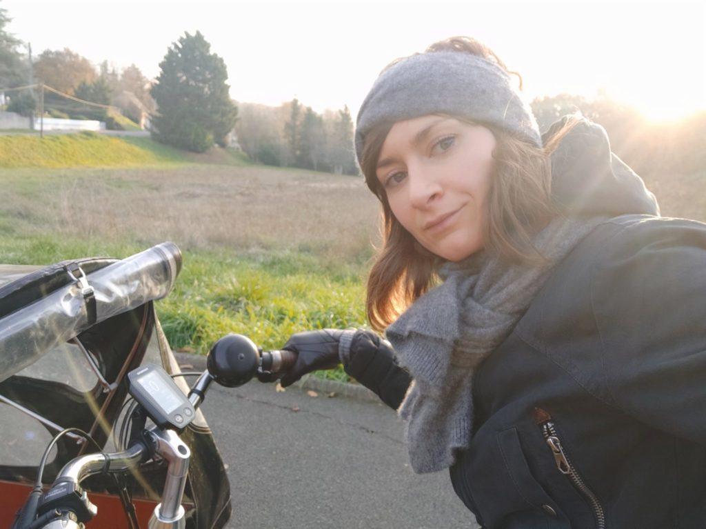 Sonia, la coiffeuse qui se déplace à domicile en vélo-cargo.